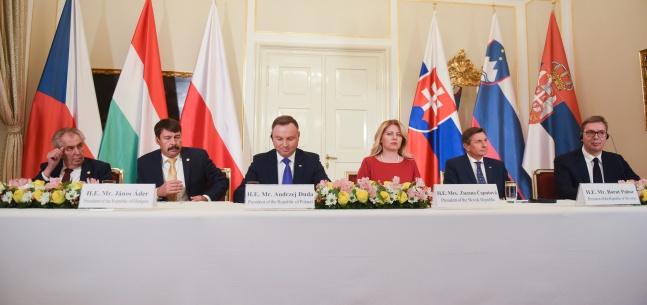 Projev prezidenta republiky na tiskové konferenci při setkání prezidentů zemí V4, slovinského prezidenta a srbského prezidenta