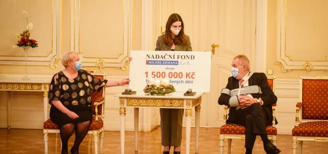Projev prezidenta republiky a slečny Kateřiny Zemanové u příležitosti předání finančního daru FOD